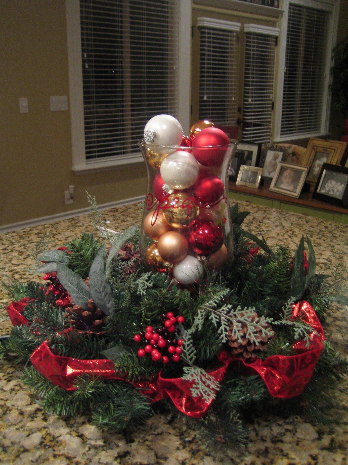 Christmas Centerpiece Vases : Christmas decor roberts crafts